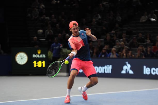 Jo-Wilfried Tsonga titré après sa victoire en finale contre Lucas Pouille