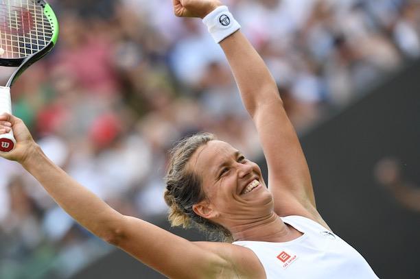 14da1445de175 Alors que les têtes de série - Serena Williams, Simona Halep et Elina  Svitolina - avaient tenu leur rang, Barbora Strycova a glacé tout un  royaume en ...