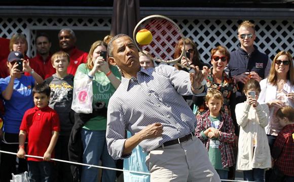 LE BAR A PHOTOS ET VIDEOS : insolites, drôles, émouvantes Obama_06042013_tennis