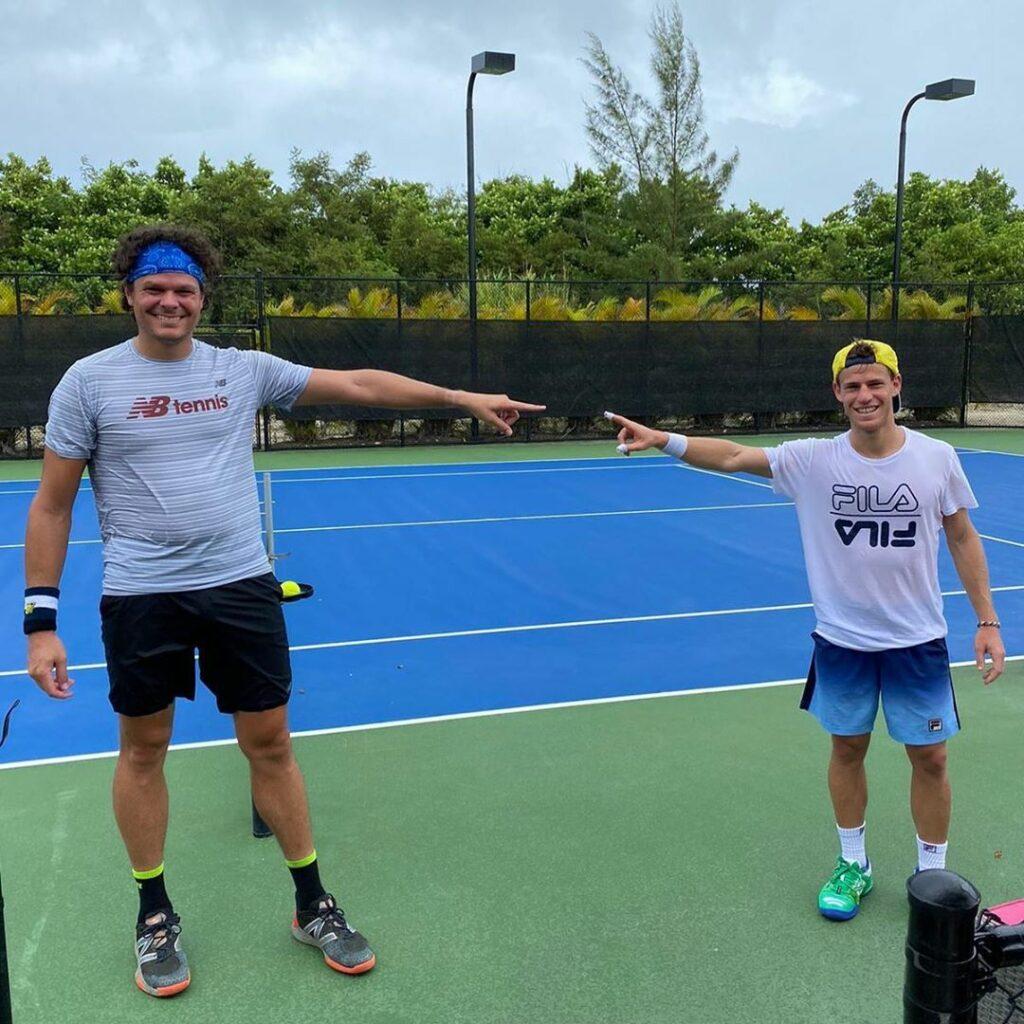 Insolite Atp Raonic Sur La Photo Montrant Son Surpoids C Etait Une Image Peu Flatteuse We Love Tennis