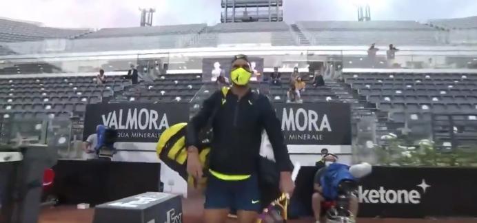 Atp Rome Nadal Is Back Et Meme Le Masque Est Assorti A La Tenue We Love Tennis